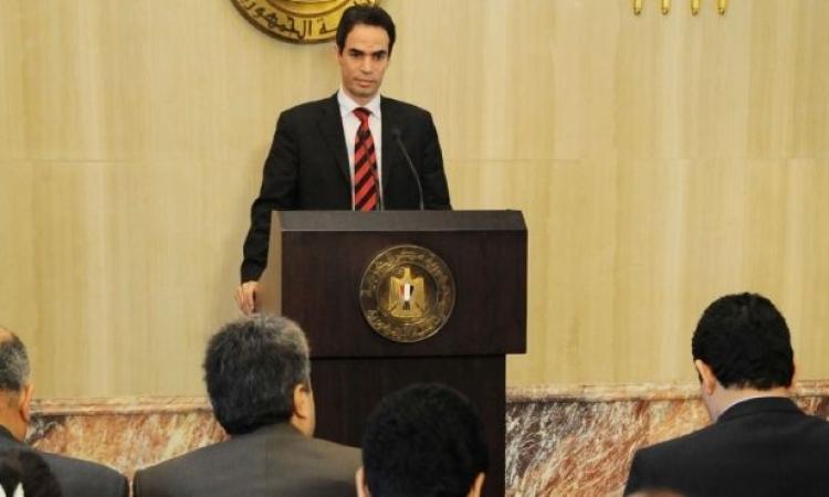 قوي سياسية توافق علي دعوة الرئاسة للحوار .. وأخري ترفض