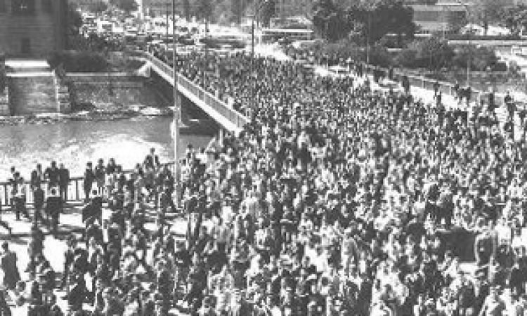 يوم الطالب العالمي … العالم يحي ملحمة طلاب 1946