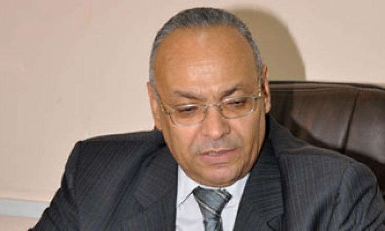 محافظ بني سويف يستعرض تقرير عن موقف أعمال توصيل الغاز الطبيعي