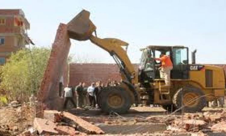 إزالة 59 مبنى مخالف وإشغالات فى حملة أمنية بالمنوفية