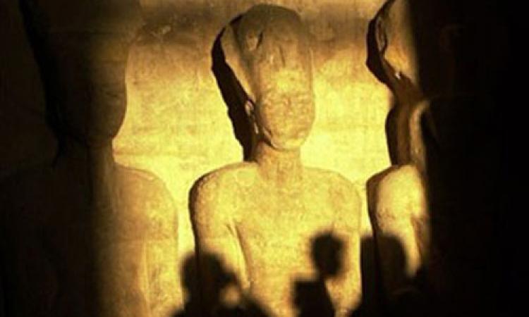 أسوان تحتفل بتعامد الشمس علي رمسيس الثاني