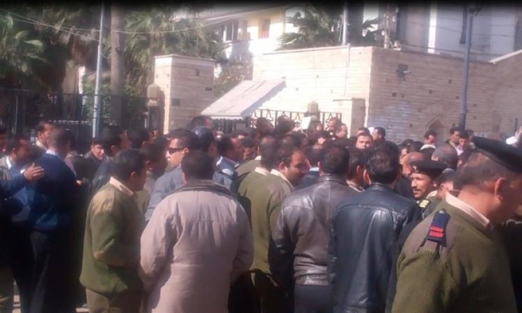 أفراد الشرطة بكفرالشيخ يعلقون اعتصامهم للأحد القادم