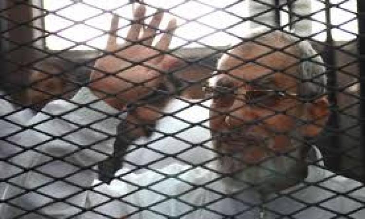 """تأجيل محاكمة """"مهدي عاكف"""" في قضية إهانة السلطة القضائية"""