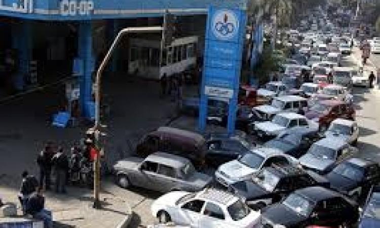 """أزمة الوقود تحاصر دمياط..والمسؤولين: """"الحصة كاملة"""""""