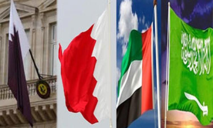 """نشطاء """"تويتر"""" يؤيدون قرار سحب """"سفراء الخليج"""" من قطر"""