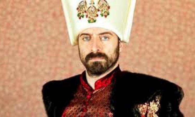 السلطان سليمان يدلي بصوته في الانتخابات التركية