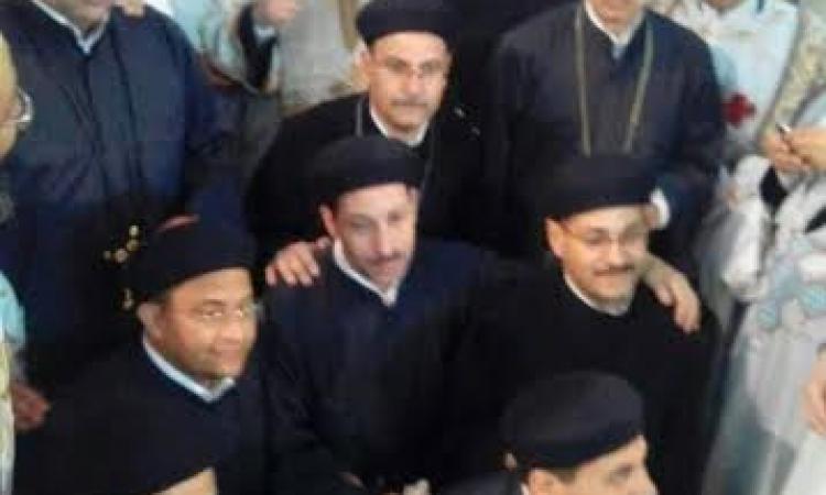 الأنبا باخوم يرسم 9 آباء جدد علي إبراشيات سوهاج و المنشأة