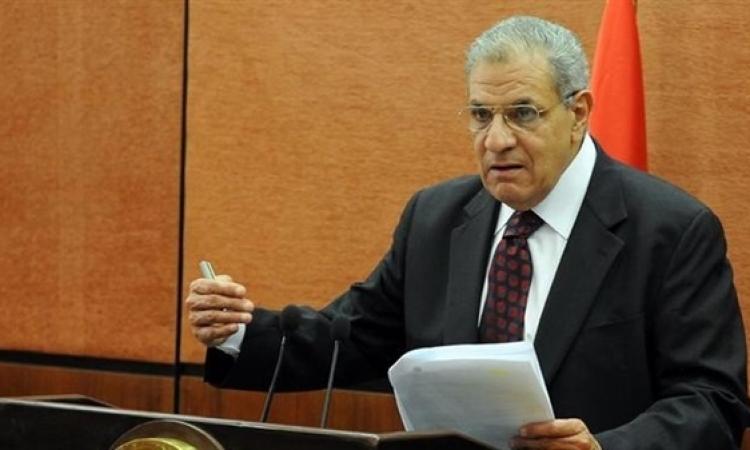 إبراهيم محلب يعلن إقرار مجلس الوزراء لمشروع قانون الاستثمار
