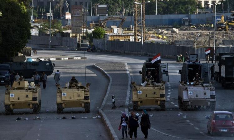 """قوات الجيش تكثف من تواجدها بـ""""التحرير"""""""