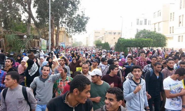 مظاهرات لأنصار المعزول بهندسة عين شمس