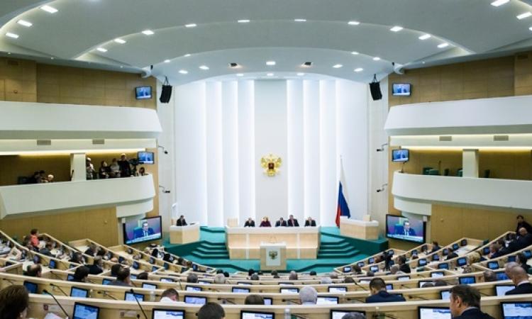 """مجلس الاتحاد الروسي يدعم قرار """"القرم"""" بالانضمام لروسيا"""