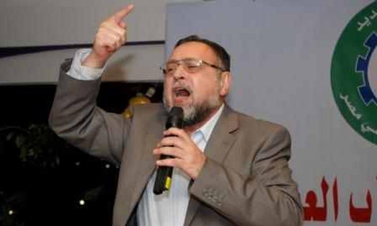 """تغريم رئيس تحرير """"الشعب""""  10 آﻻف جنيه  بتهمة سب ساويرس"""