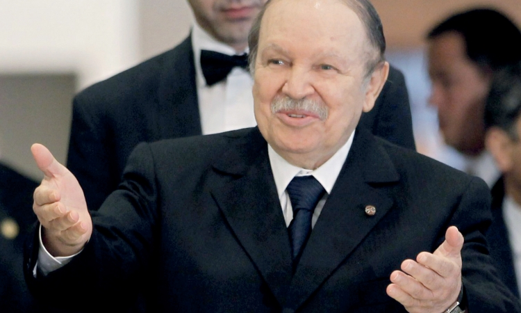 بدء حملة انتخابات الرئاسة الجزائرية وبوتفليقة الأوفر حظا