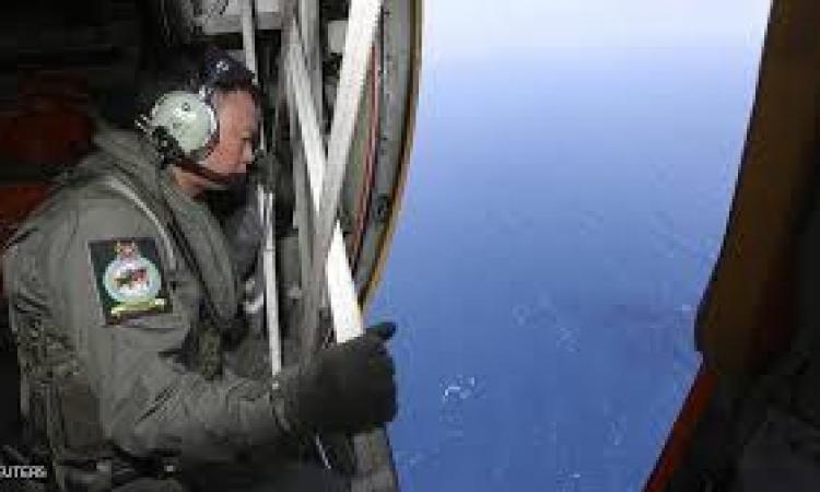 المحققون يركزون تحرياتهم على قائدي الطائرة الماليزية المفقودة