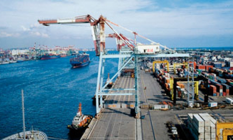 وصول 33 ألف طن سولار إلي ميناء الإسكندرية