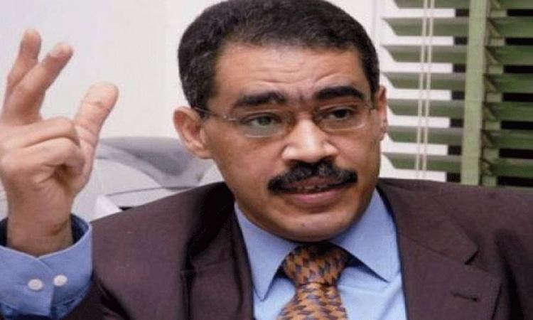 نقيب الصحفيين يطلب من النائب العام الافراج عن الصحفييين المعتقلين