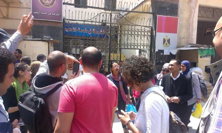 نيابة الإسكندرية تخلي سبيل ماهينور المصري بعد التحفظ على جوابات النشطاء