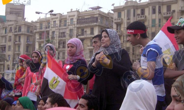 فيديو وصور: سيدات يرقصن في ميدان التحرير احتفالاً باكتساح «السيسي» في الانتخابات