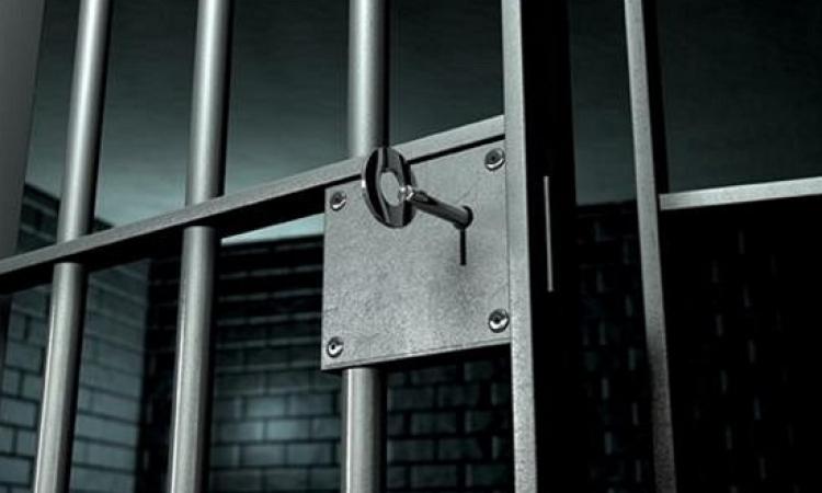السجن ٥ سنوات لـ 10 متهمين بالاتجار فى الآثار