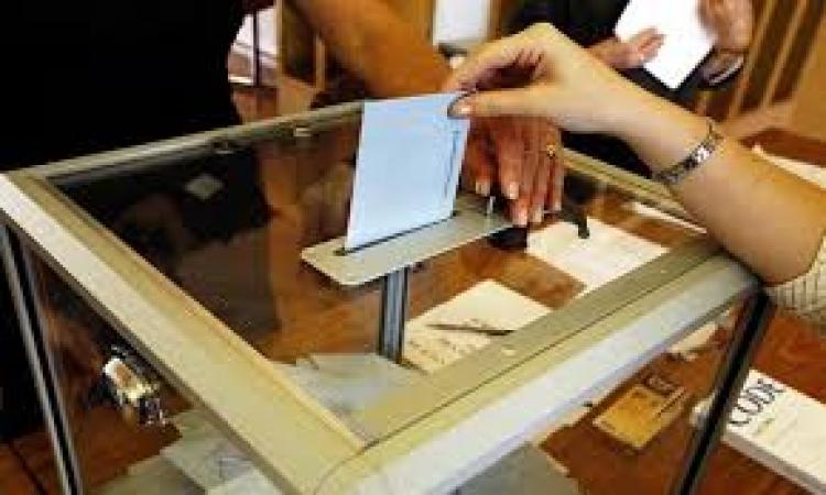 راعي كنيسة مار جرجس: مظاهرات إخوانية لمنع الأقباط من المشاركة بالانتخابات