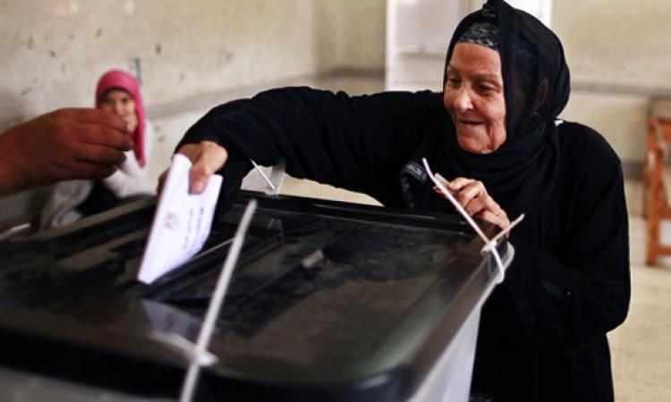 بدء إغلاق لجان الانتخابات الرئاسية وفرز أصوات الناخبين