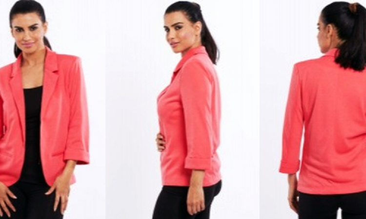 بالصور.. 9 طرق متنوعة لارتداء «البليزر»