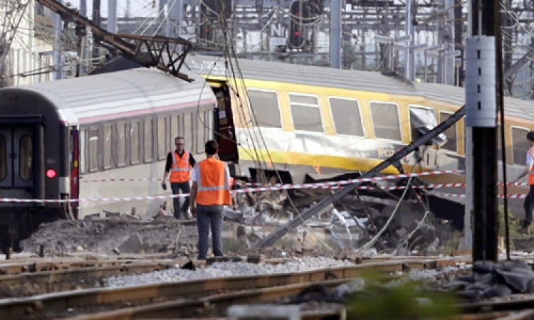مقتل 5 أشخاص وإصابة 20 في تصادم قطارين بضواحي موسكو