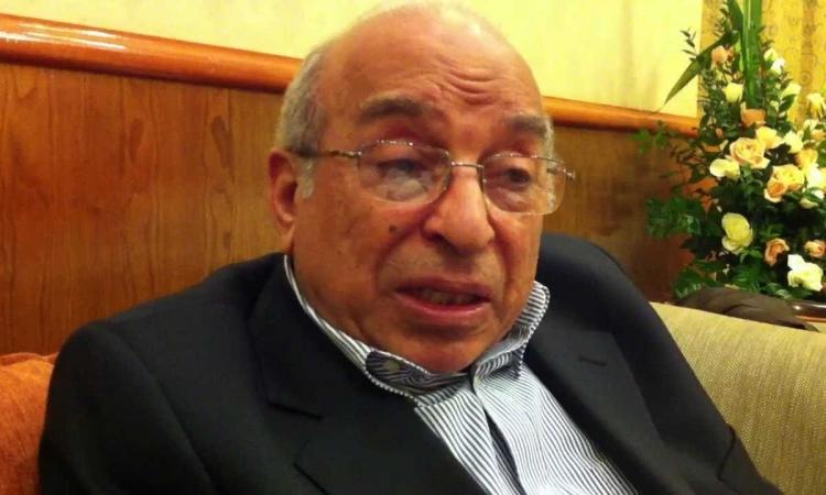 منع الكاتب والمفكر الإسلامي فهمي هويدي من السفر