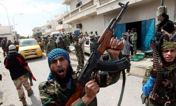 انسحاب المجموعات المسلحة من أمام مديرية الأمن ببنغازي