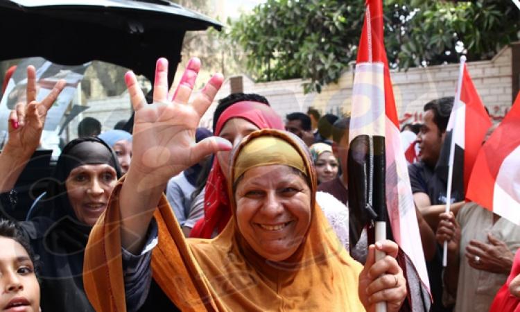 بالصور.. أجواء احتفالية وإقبال كثيف على لجان الانتخابات الرئاسية