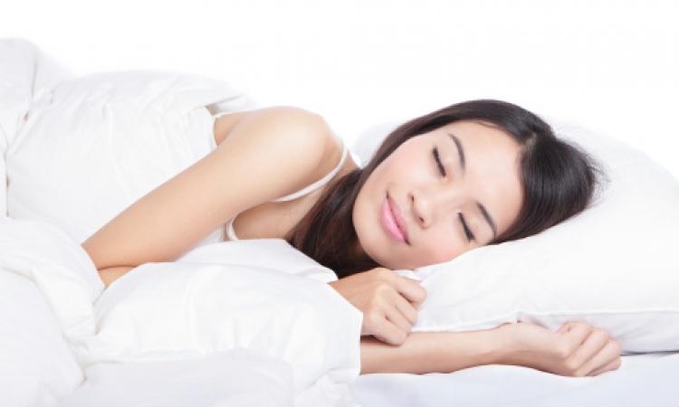 التعرض للضوء أثناء النوم يزيد خطر الإصابة بالسمنة