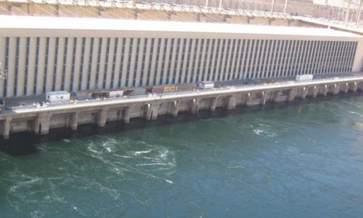«الري»: ثبات منسوب مياه النيل أمام السد العالي عند 174 مترا