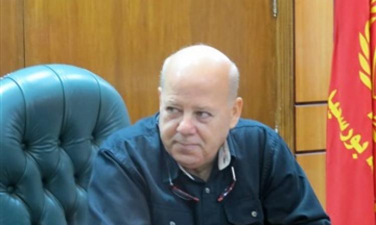 محافظ بورسعيد يطالب الأئمة والقساوسة بعدم استخدام دور العبادة في السياسة