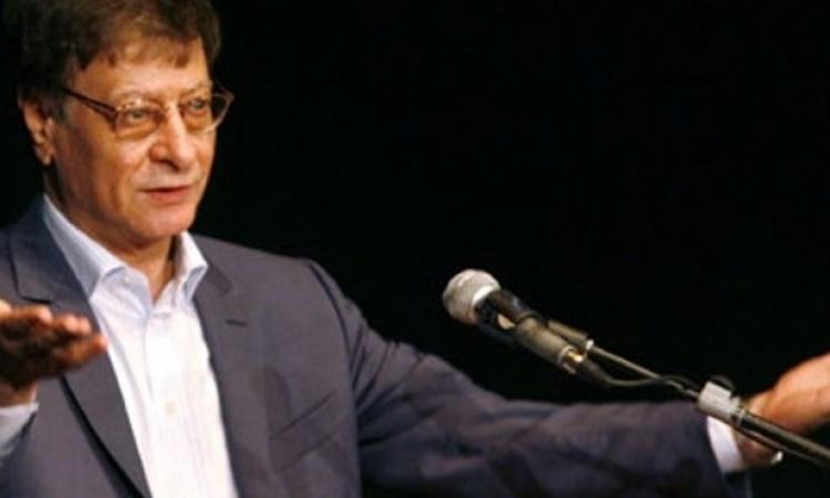 """بالفيديو: تفاصيل قصة حب الشاعر """"محمود درويش""""  ومعشوقته اليهودية"""