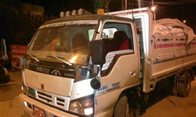 ضبط 6 سيارات محملة بسلع متنوعة مجهولة المصدر بشمال سيناء