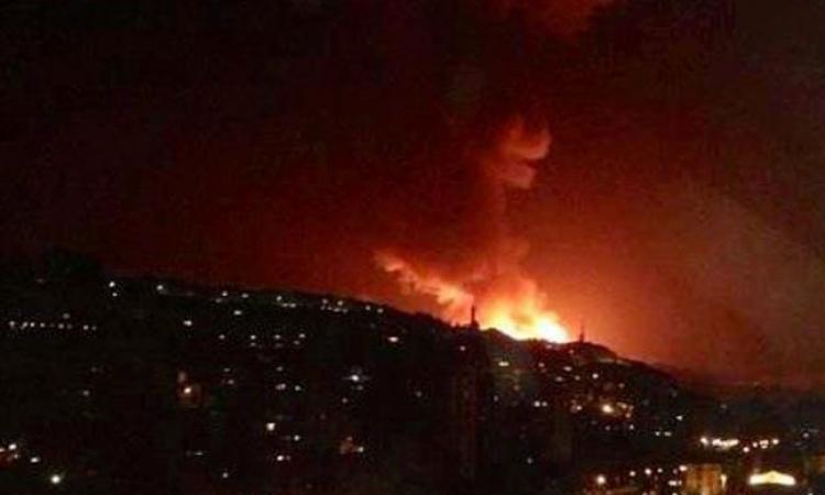 قتلى وجرحى فى غارات إسرائيلية تستهدف مواقع عسكرية جنوب سوريا