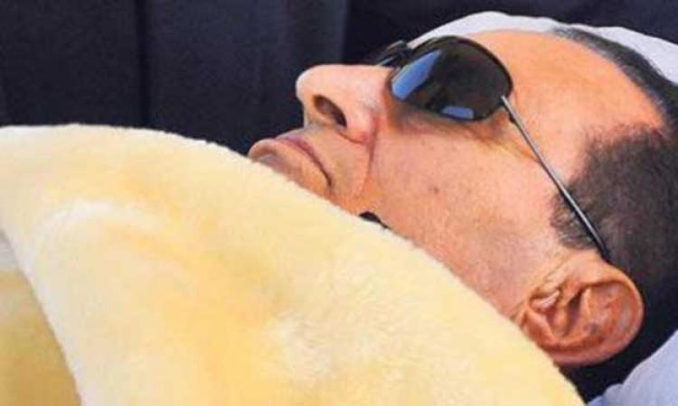النيابة تحقق فى واقعة كسر قدم مبارك بالمعادى العسكرى