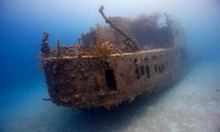 عائلة تعثر على كنز غارق منذ 300 عام قبالة الساحل الشرقى لفلوريدا