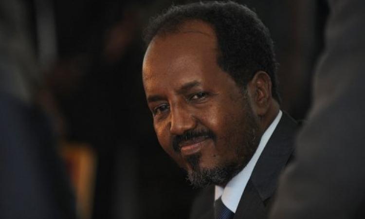 رئيس الصومال يقيل عددا من قادة الأمن عقب الهجوم على القصر الرئاسي