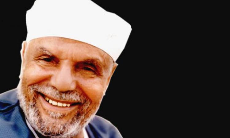 بالفيديو.. الشعراوي يروى موقف مضحك لرجل طلب كل مرة الإمامة في الصلاة
