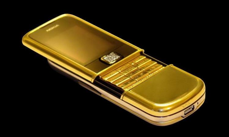بالصور.. هواتف من الذهب ومرصعة بالأحجار الكريمة سعرها 180 ألف دولار