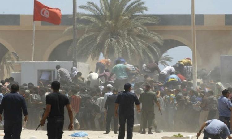 وصول 180 مصريًا فارين من طربلس يصلون للمعبر الليبيى التونسى