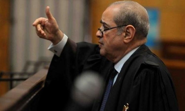 الديب لأحد منتقدى مبارك: كتك نيلة فى شكلك وانت مش فاهم حاجة