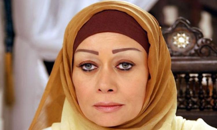 بالفيديو .. هالة فاخر: مبارك اتبهدل ومرسى يستاهل والسيسى الأمل