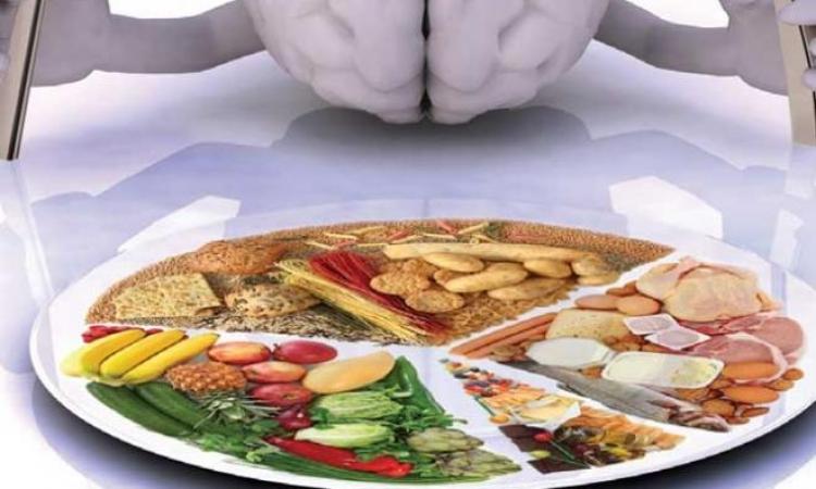 تعرف على أغذية تساعد فى تقوية قدرات المخ وتحميك من النسيان