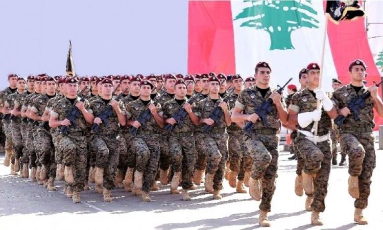 الجيش اللبنانى يدخل بلدة عرسال وسط ترحيب الأهالى