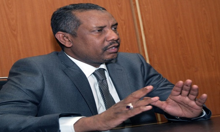 """رئيس البرلمان السوداني يزرو """"سد النهضة"""" ..ويؤكد : السد يحقق حلم فقراء إفريقيا"""