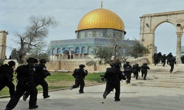 مخابرات الاحتلال تقتحم المسجد الأقصى