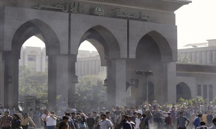 الجنايات تتنحى عن نظر محاكمة 76 متهما باحداث الشغب بجامعة الازهر