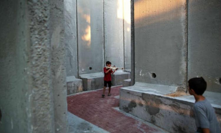إسرائيل تحصن أطفالها بجدران عازلة داخل الحضانات